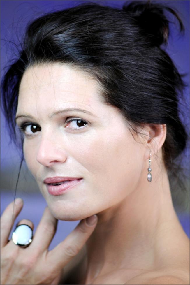 Nicole Kehrberger- Performer-Berlin-Actress-artaia-creatives-in-residence-googlenews